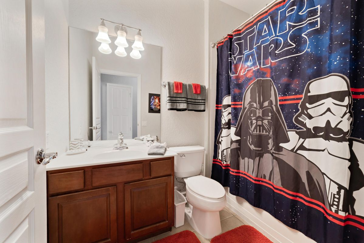 Star wars bathroom adjacent to Star Wars bedroom