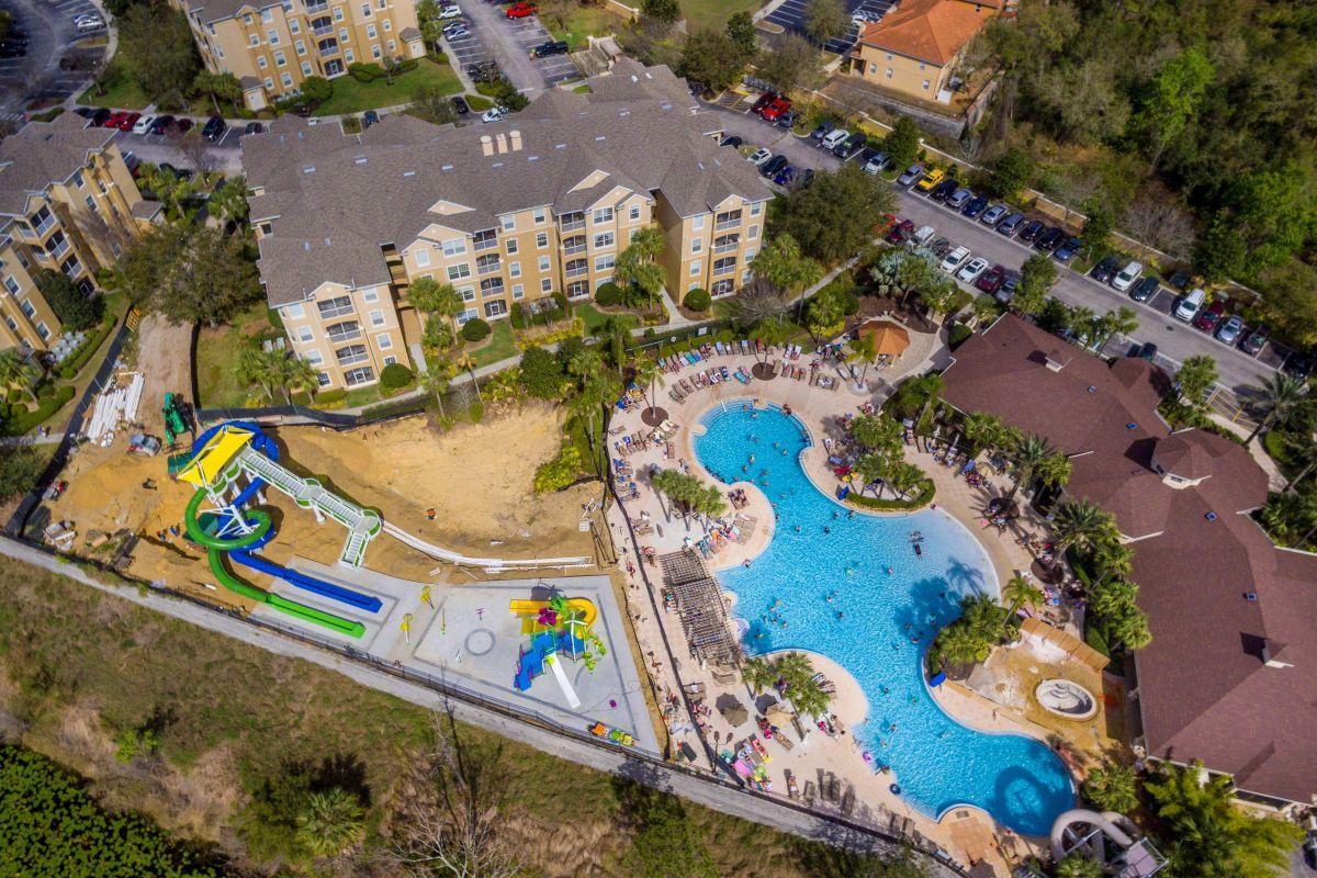 Pool Slides & Splashpark