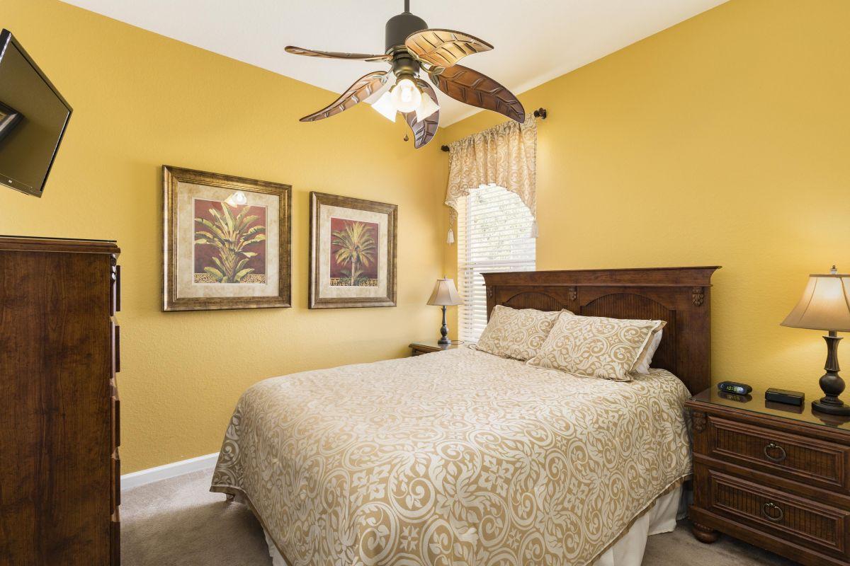 Downstairs Queen Bedroom (#4) With HD TV, Luxury Linens