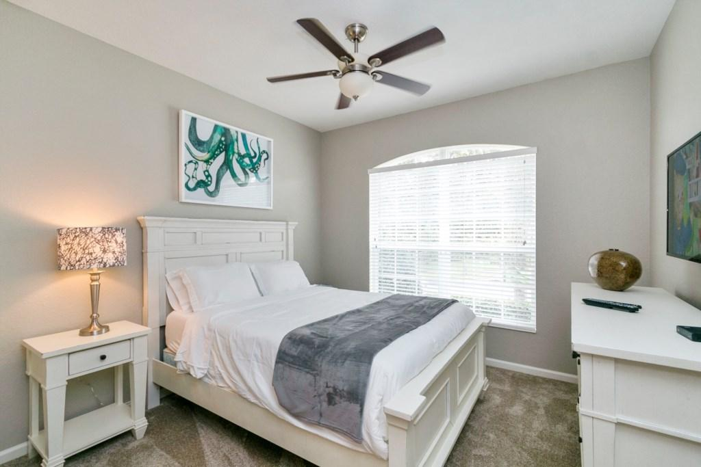 2nd Master - Queen Bed