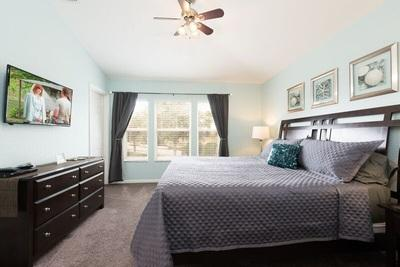 Master bedroom with kig size bed