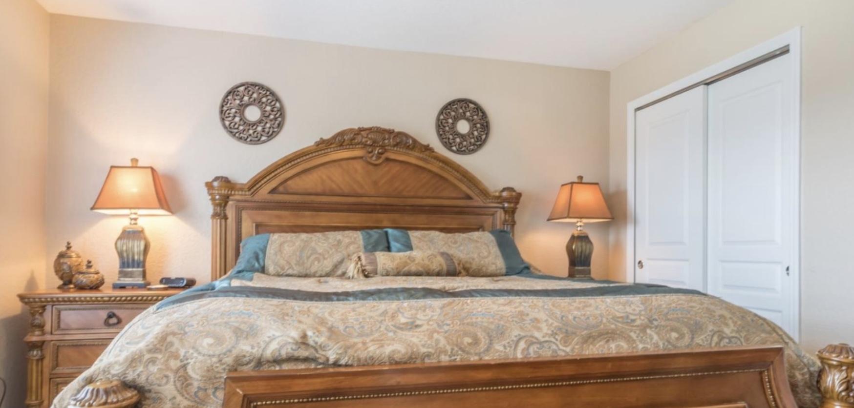 Luxurious bedding again on no.2 master en-suite
