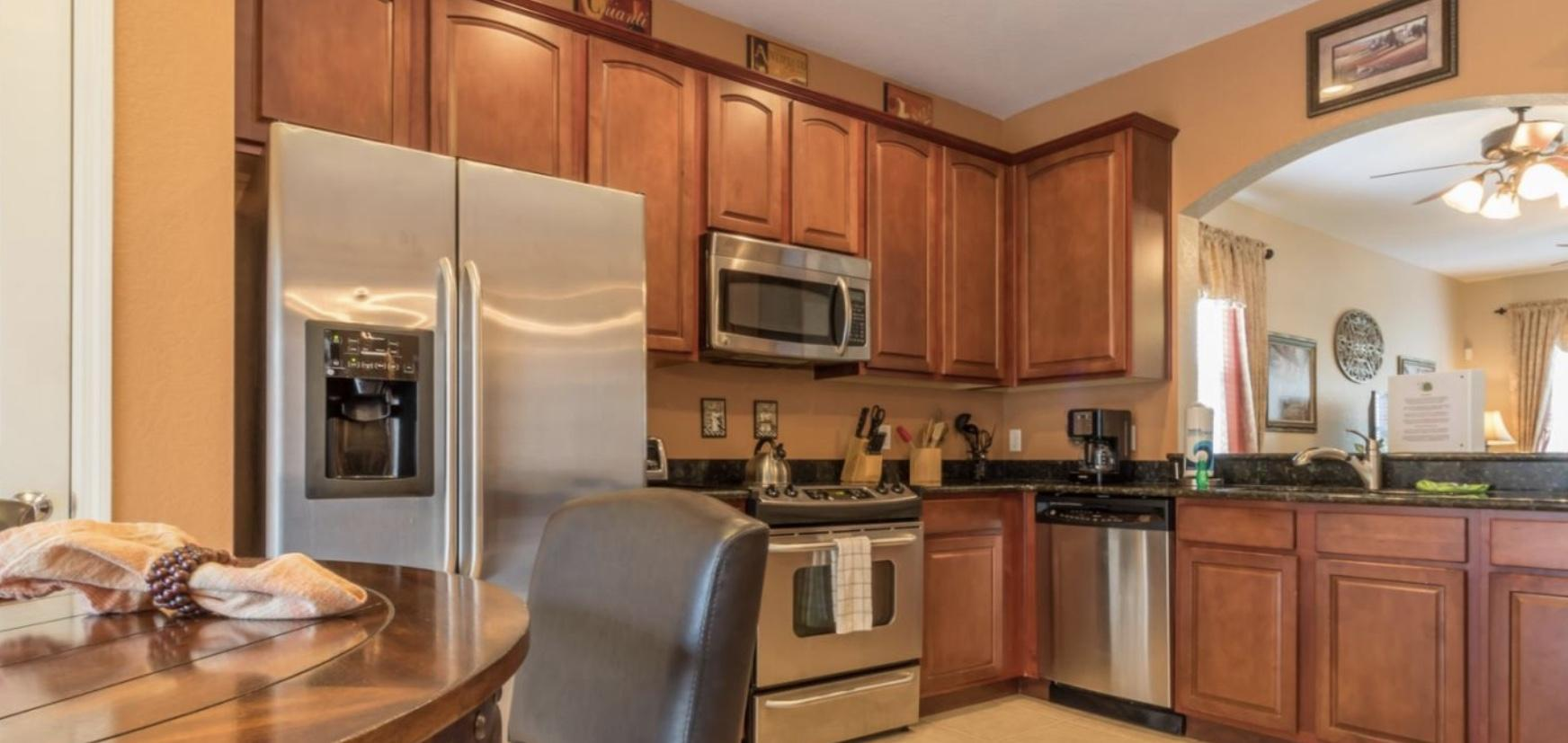 Upgraded kitchen with all SS appliances