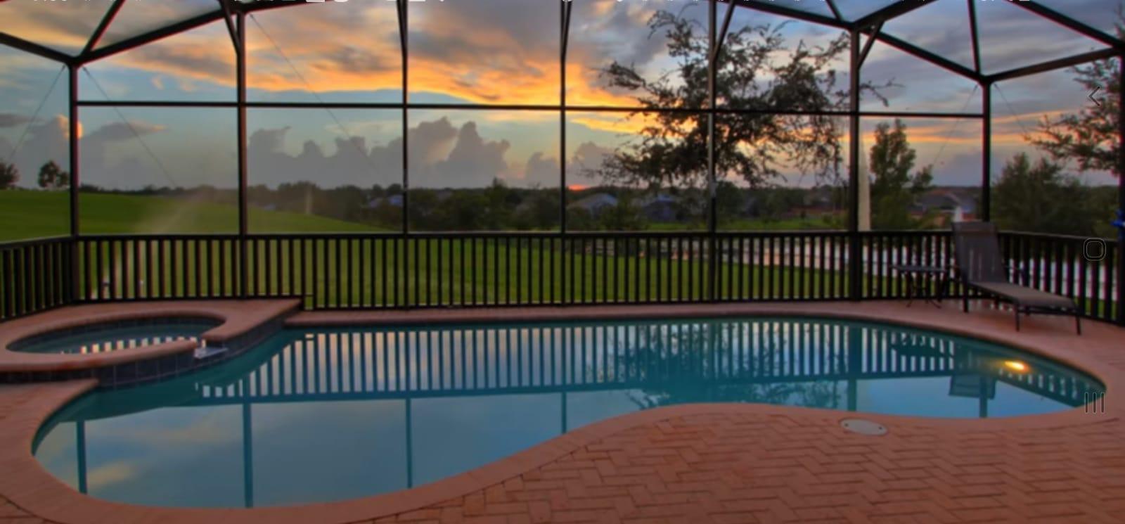 Beautiful Sunset @ Pool