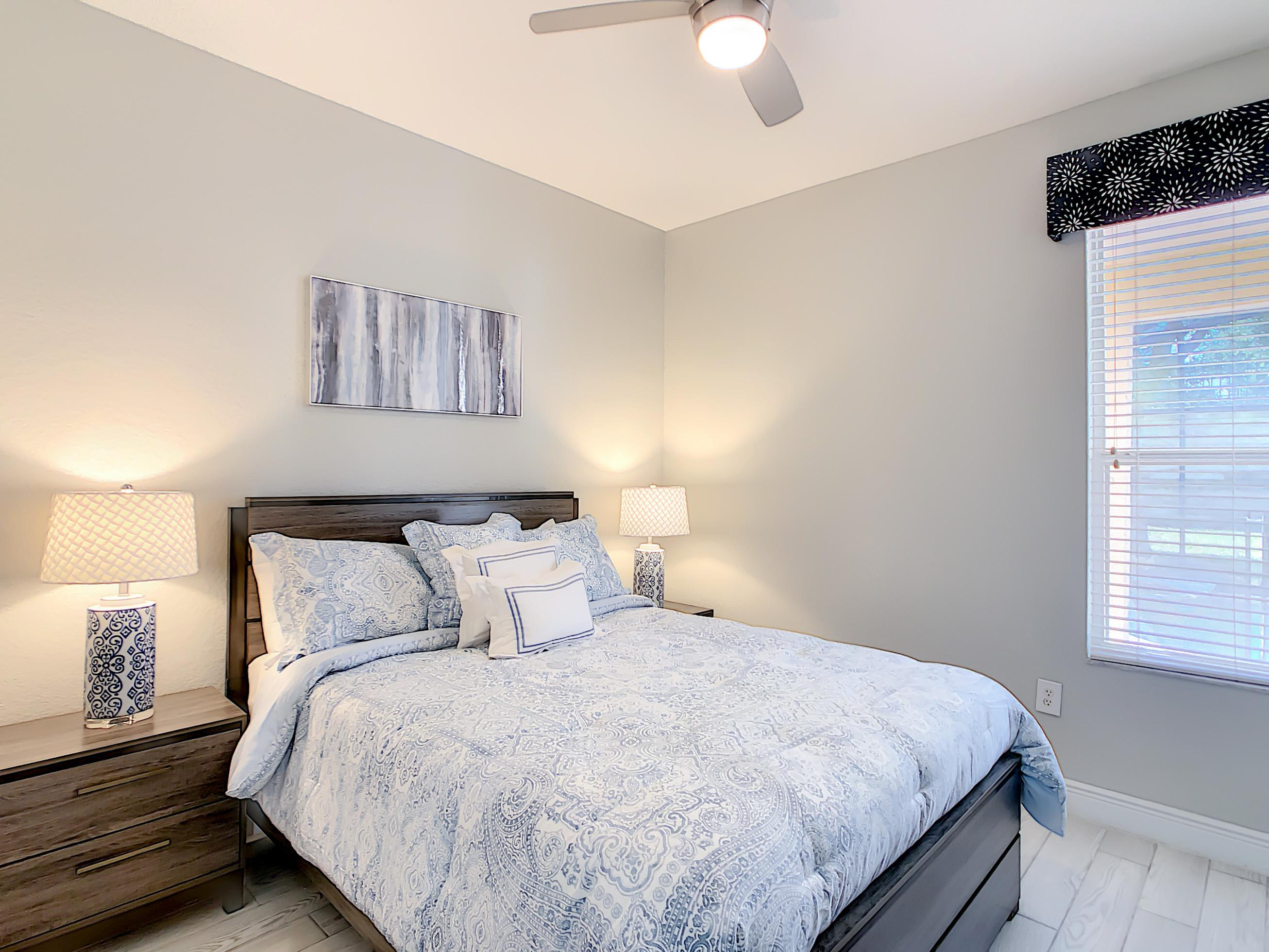 Bedroom on the First Floor with a Queen Bed and Roku TV.