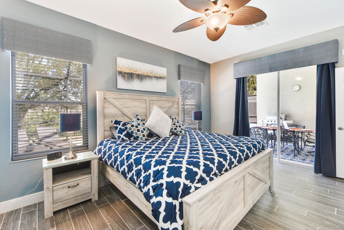 Grand Master Bedroom w/ Ensuite (1x King Bed)