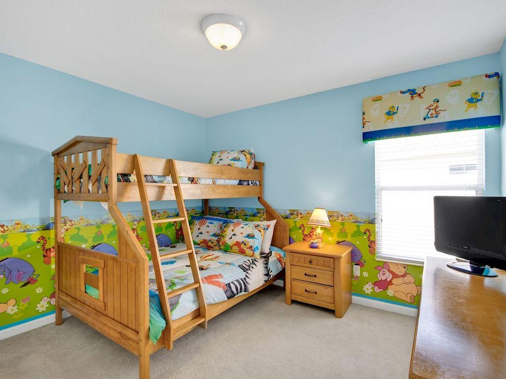 Double bed with single bunk