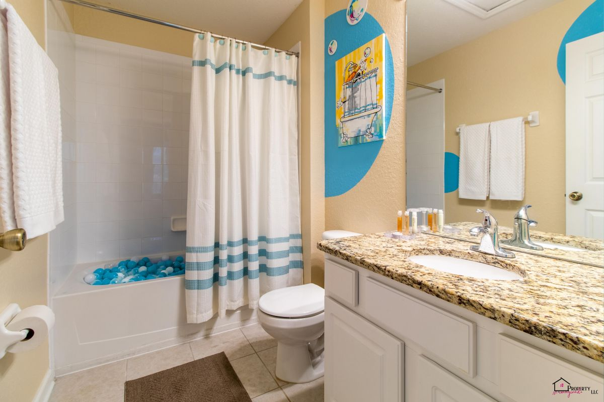 Second floor full-bathrooms with tub � Access through Mickey Suite