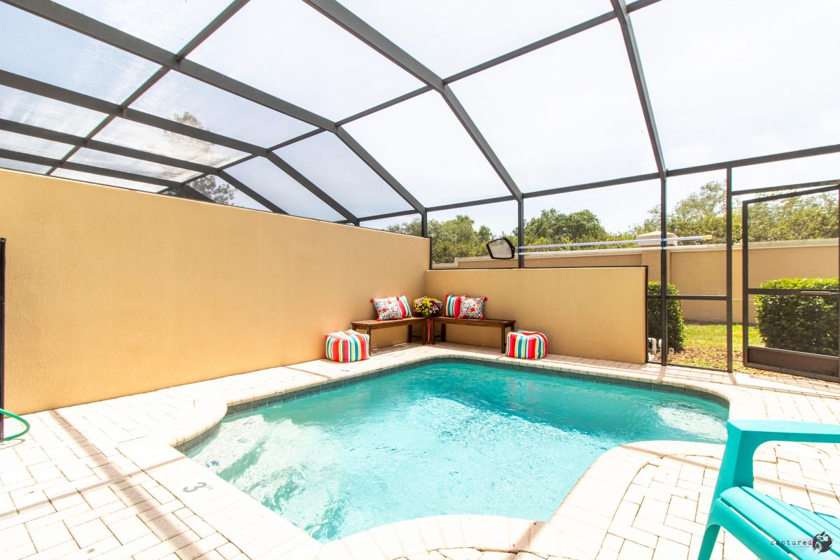 Private screened Lanai � Plunge pool & seating � Make the most of Florida�s warm weather