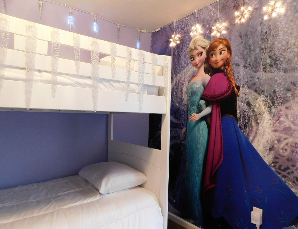 . . . dream of Elsa and Anna . . .