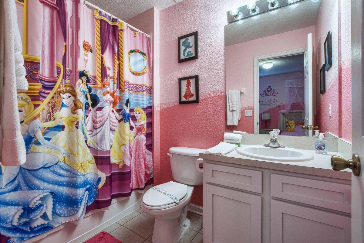 En suite Princess bathroom