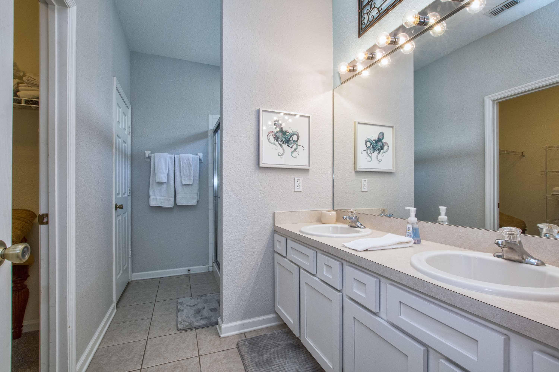 En suite master bathroom #1