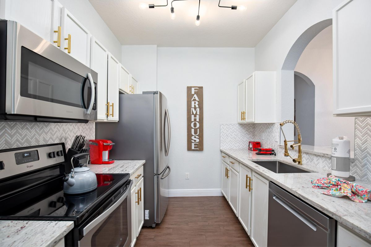 Fully upgraded & fully equipped kitchen with every imaginable small appliance.