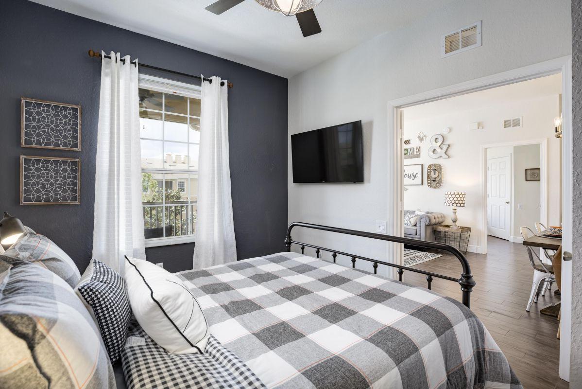"""Queen bedroom with 50"""" 4K TV"""