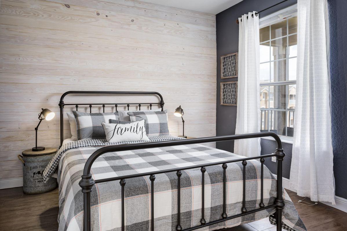 """Queen bedroom with plush 12""""memory foam mattress"""