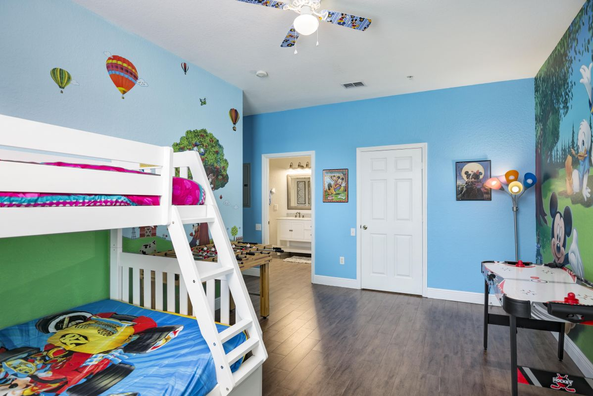 Another view of the large kids room