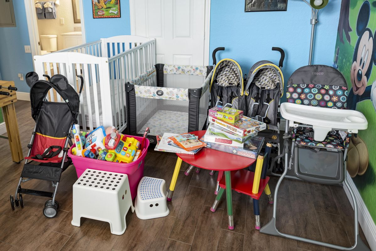 Full Size Crib, Pack n Play, Single & Double Stroller, High Chair,Step Stools,Books, Toys & Games