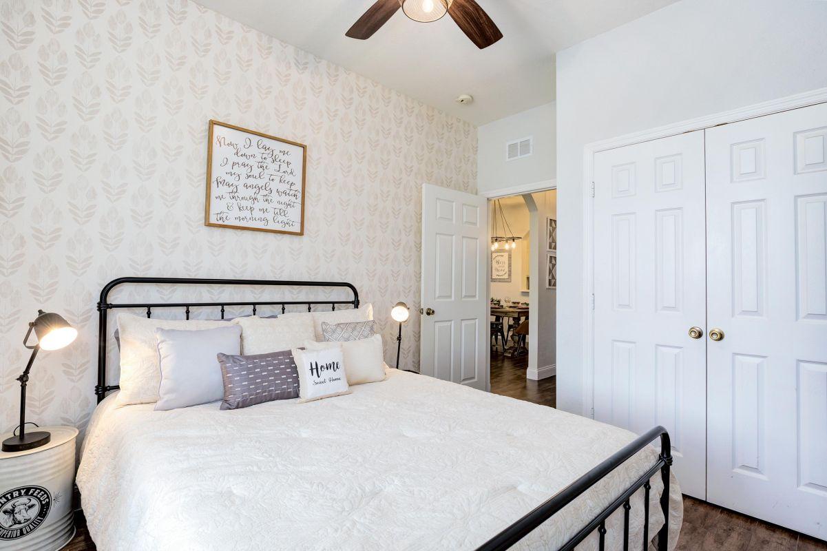 """Queen bedroom  with 10"""" memoryfoam mattress, 50"""" 4K TV and lots of storage"""