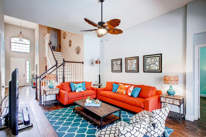 "Large living area with 65"" Smart TV, Blu Ray Player, BT Soundbar, DVDs & more"