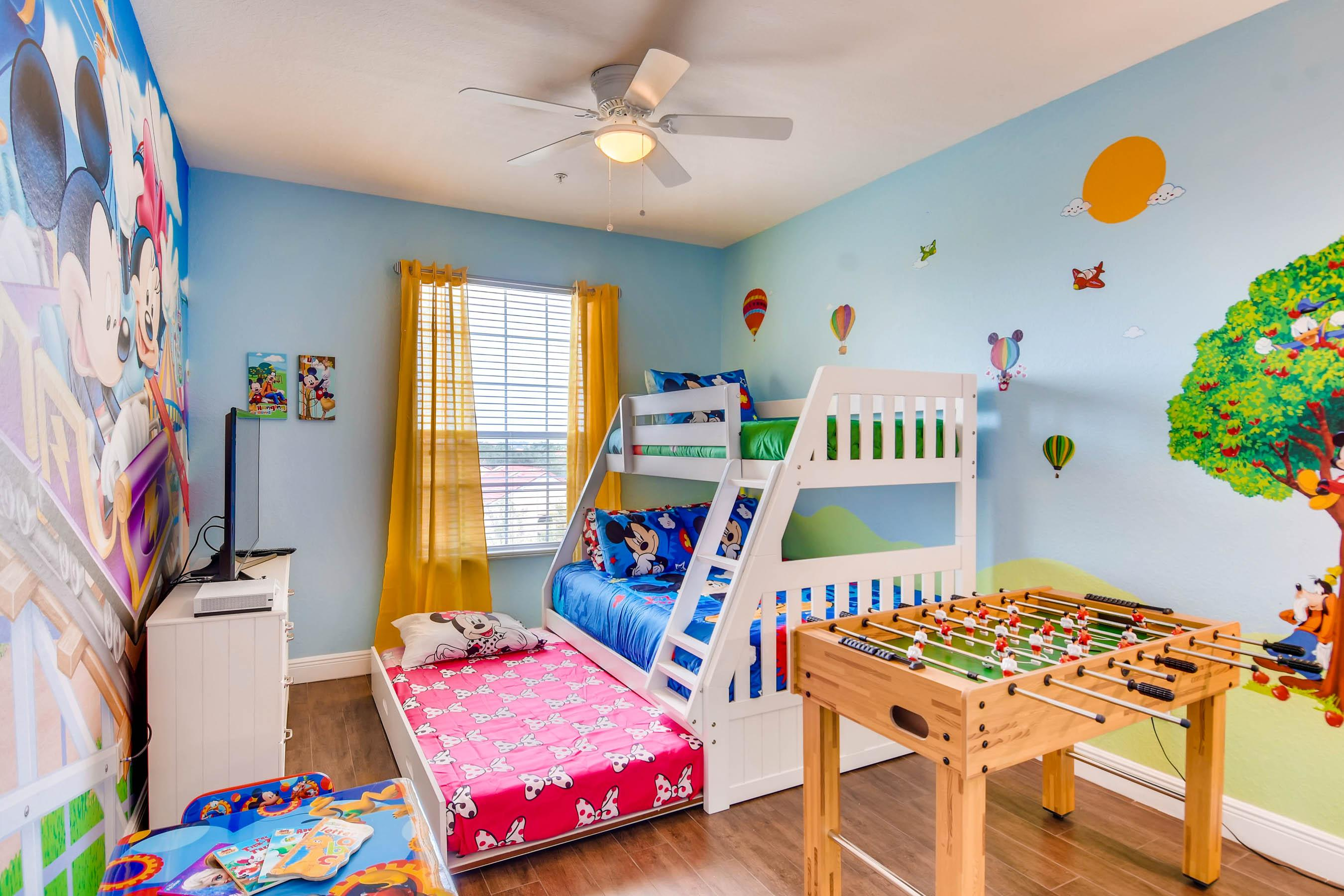 """Bunk bed sleeps 4 (twin + full + twin trundle).  50"""" 4K TV, XBox One S and more!"""