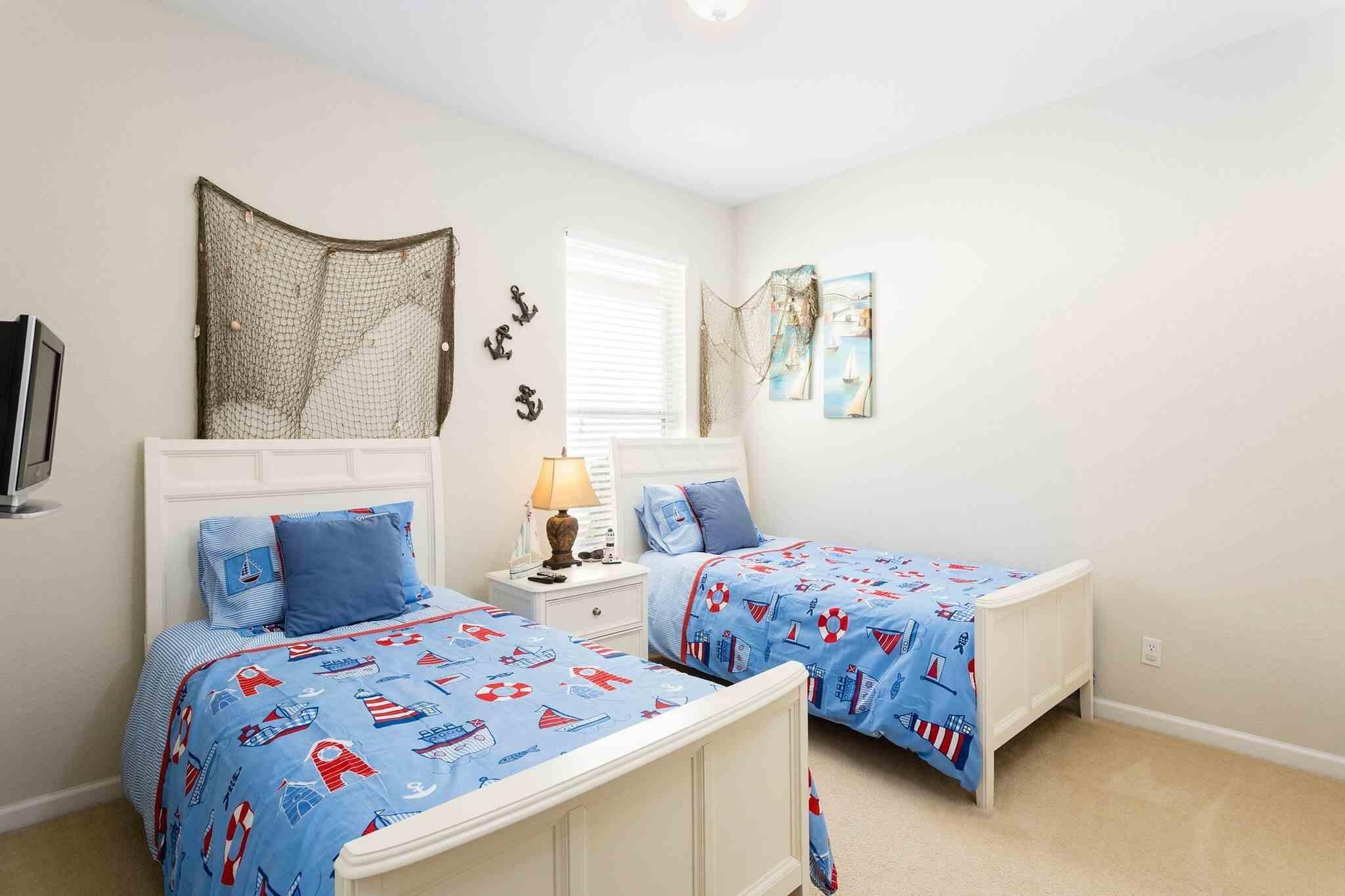 Twin bedroom left