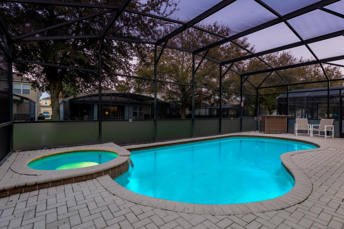 Pool with spillover spa