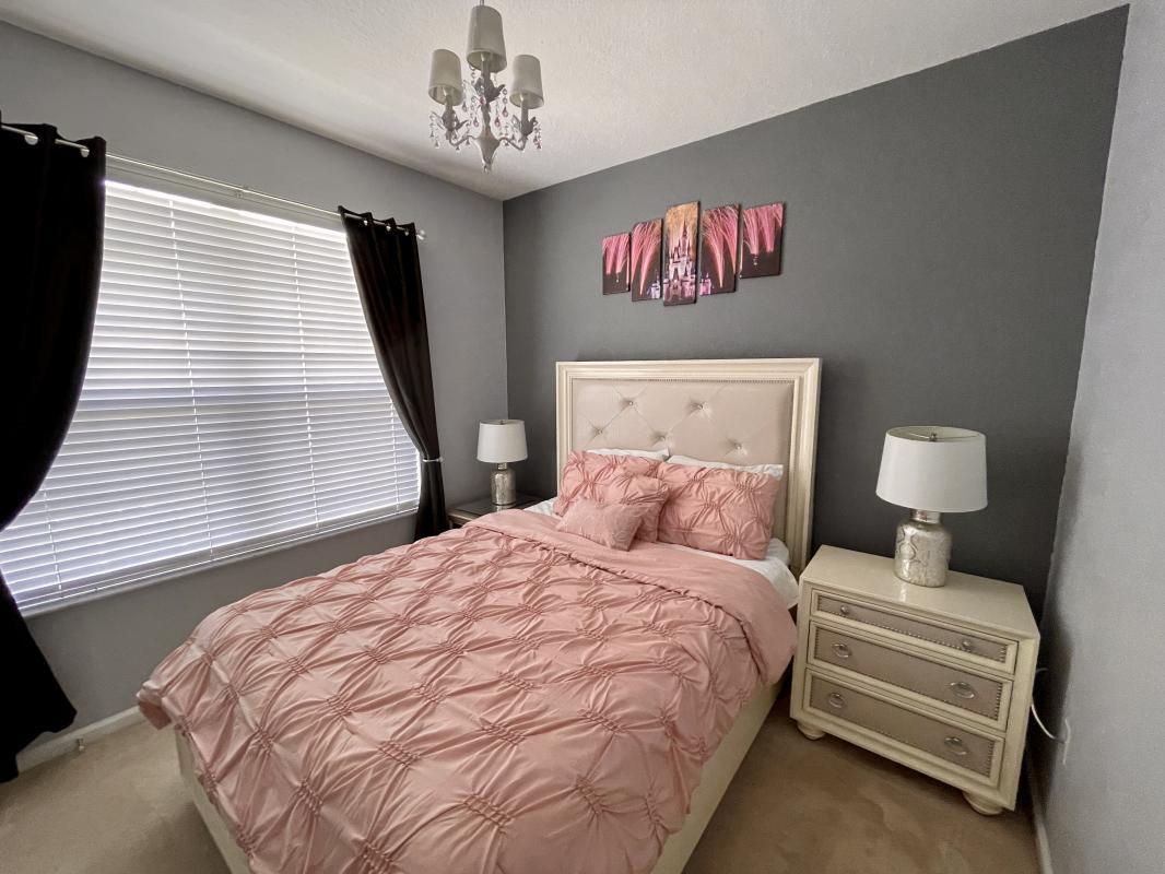Ground floor suite with Queen bed