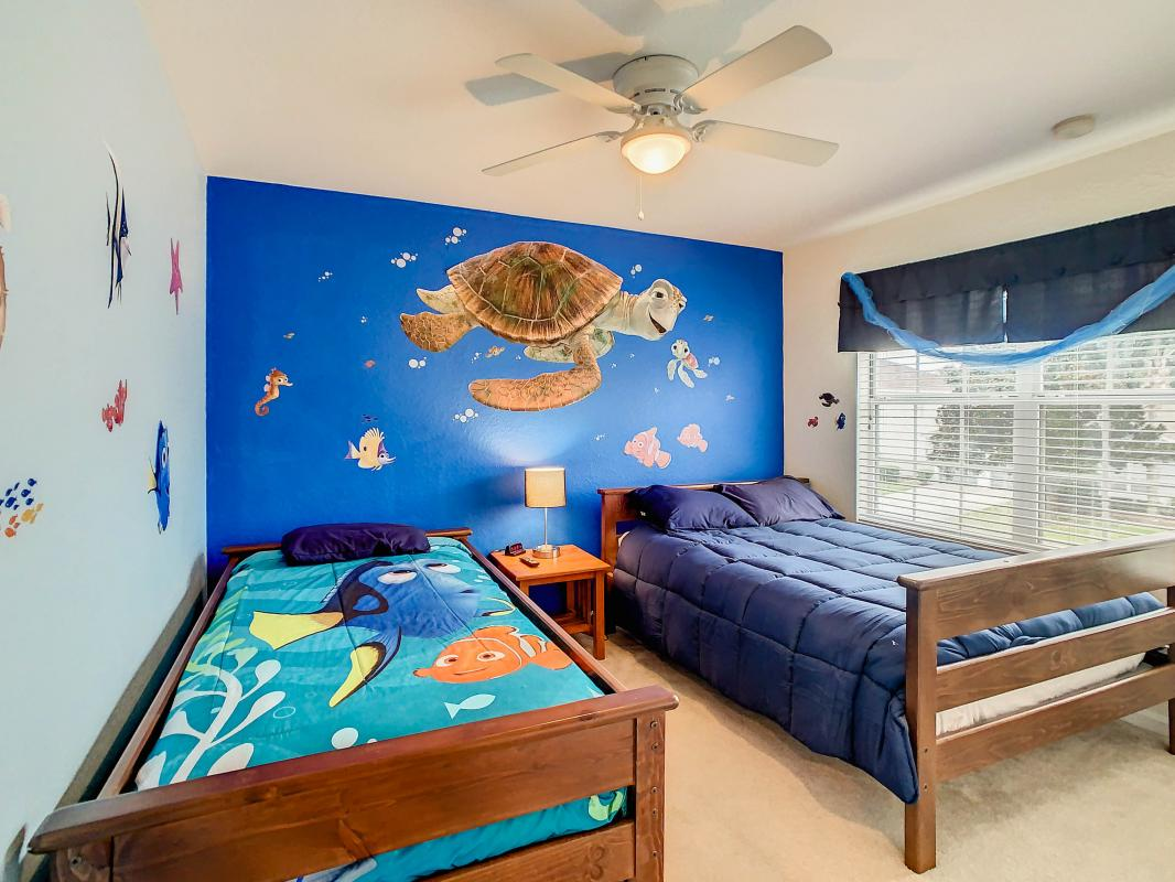 Finding Nemo/ Full and twin bed