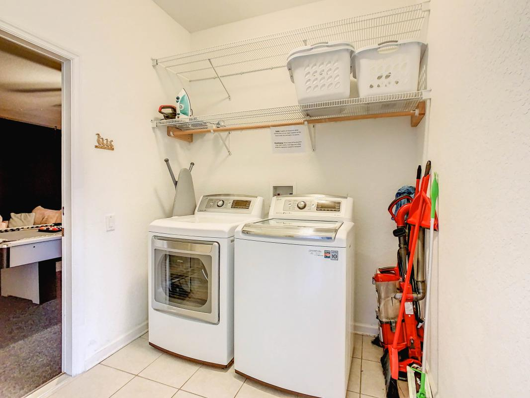 High efficiency washer and dryer  w/ laundry pods
