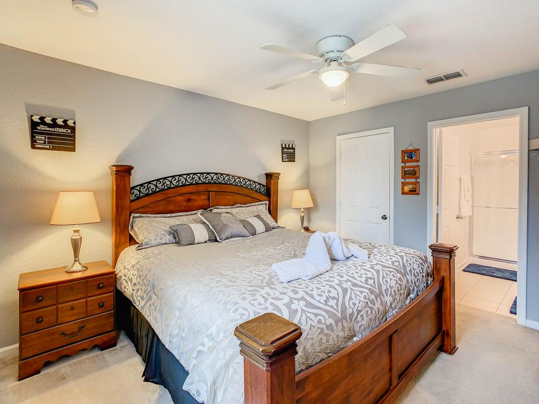 Silver Screen room with King bed