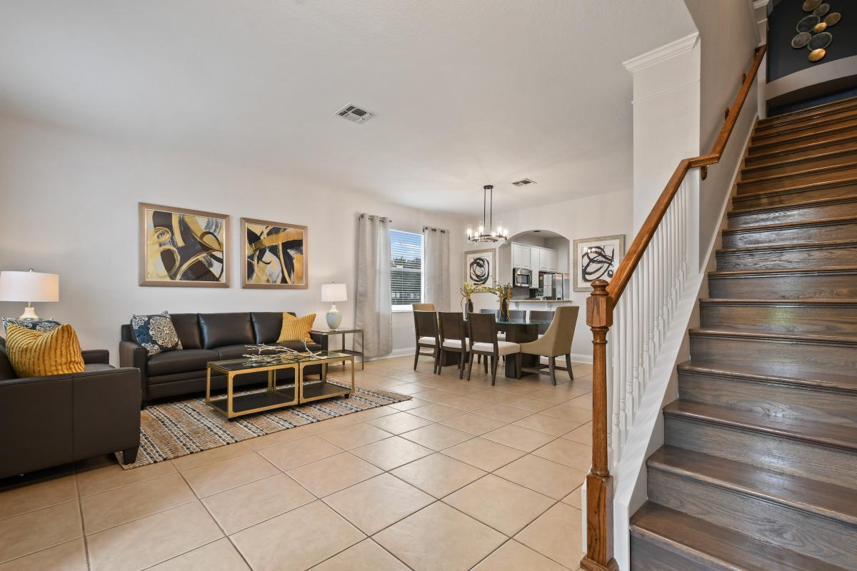 Open Concept -Front living room