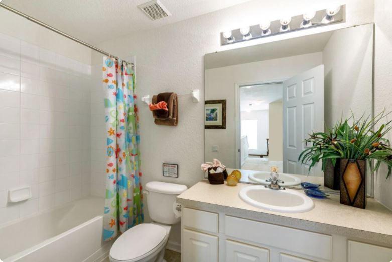 Twin Rooms Toilet