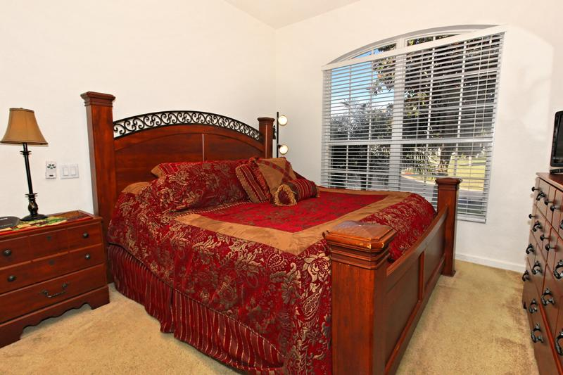 Second master bedroom, with king bed.